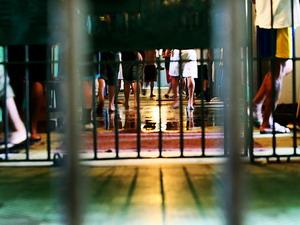 Noventa por cento dos presos no país são atendidos por defensores públicos