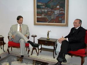 Presidente do STJ recebe ator Victor Fasano que solicita instalação de varas ambientais na Amazônia